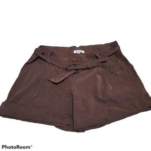 Verty brown pleated shorts medium